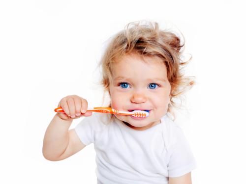 Nicanje prvih zuba – Mlečnih i stalnih